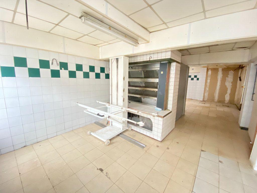 Immeuble à vendre 0 390m2 à Laon vignette-3