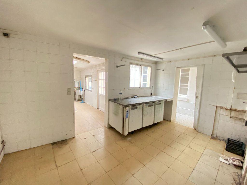 Immeuble à vendre 0 390m2 à Laon vignette-6