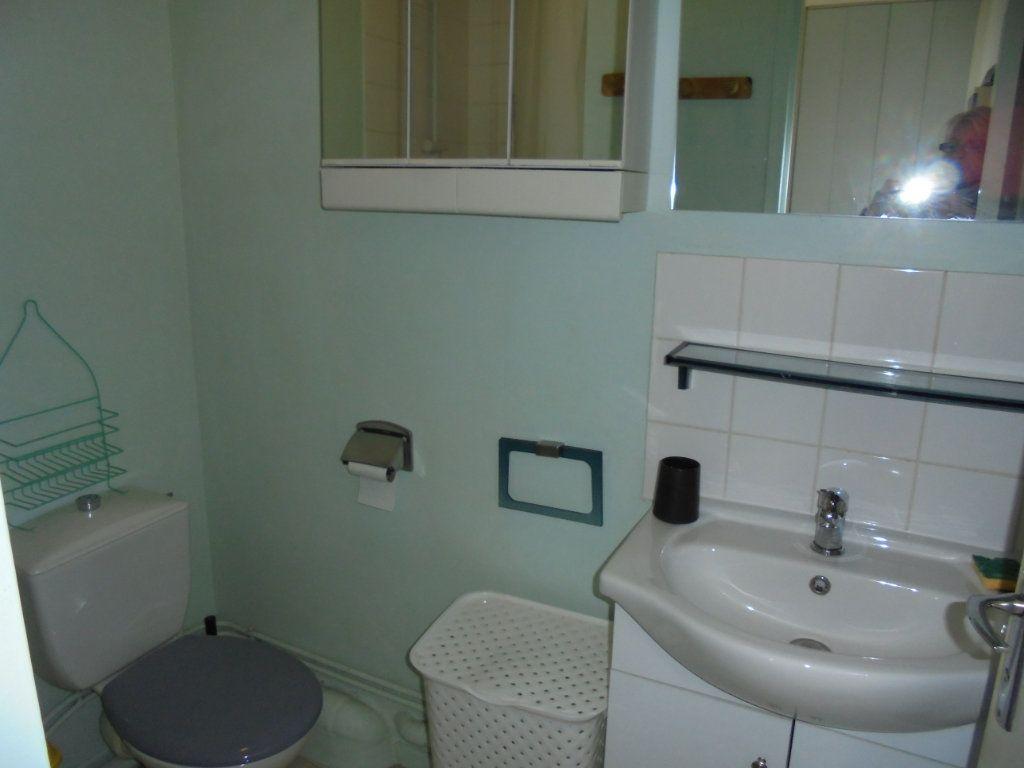 Appartement à louer 1 24m2 à Laon vignette-8
