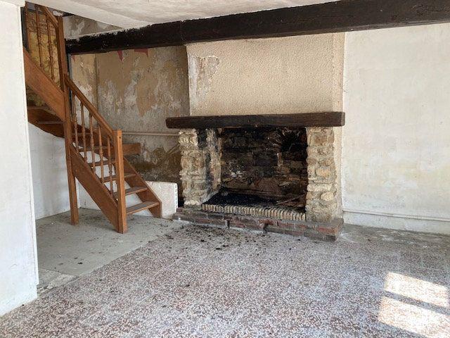 Maison à vendre 6 160m2 à Mauregny-en-Haye vignette-2
