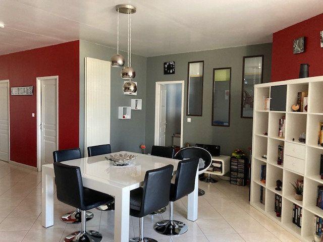 Appartement à vendre 5 138m2 à Laon vignette-11