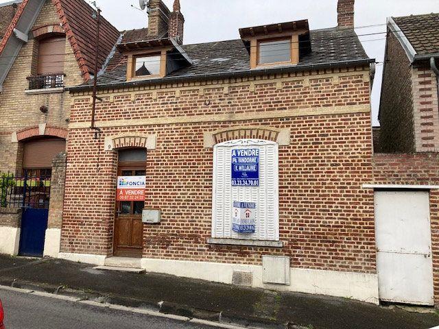 Maison à vendre 4 105m2 à Laon vignette-1