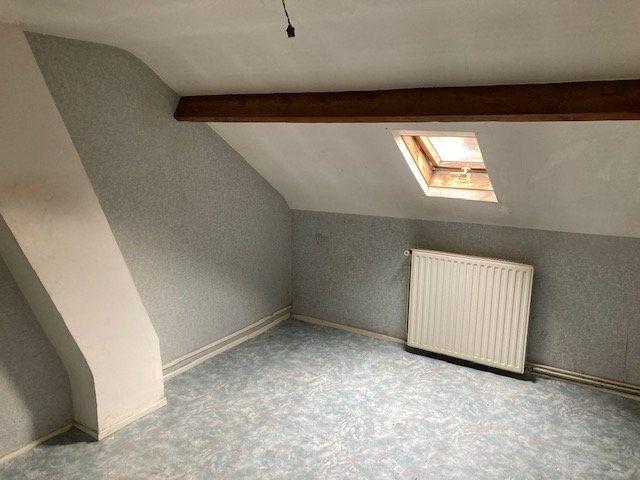 Maison à vendre 4 105m2 à Laon vignette-9