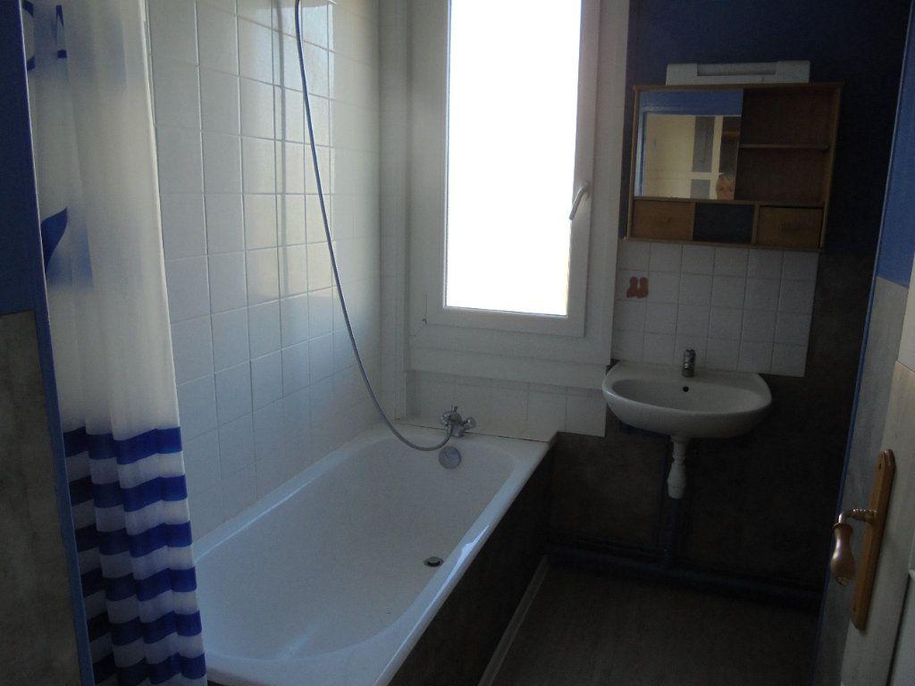 Appartement à louer 3 52m2 à Laon vignette-3