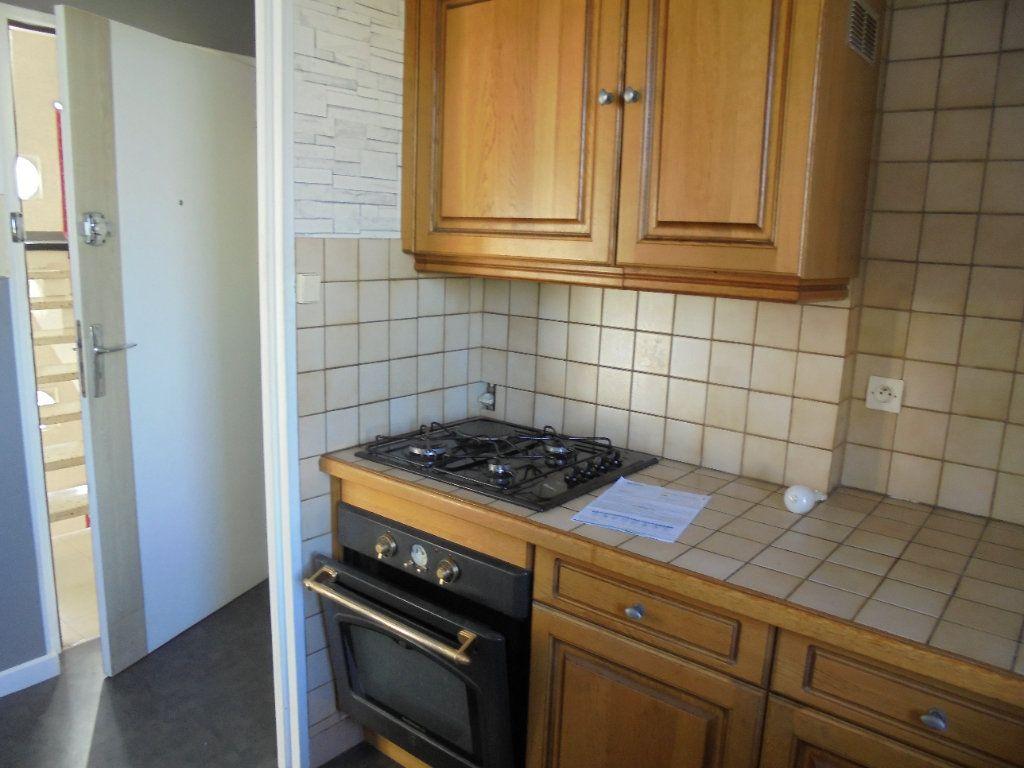 Appartement à louer 3 52m2 à Laon vignette-6
