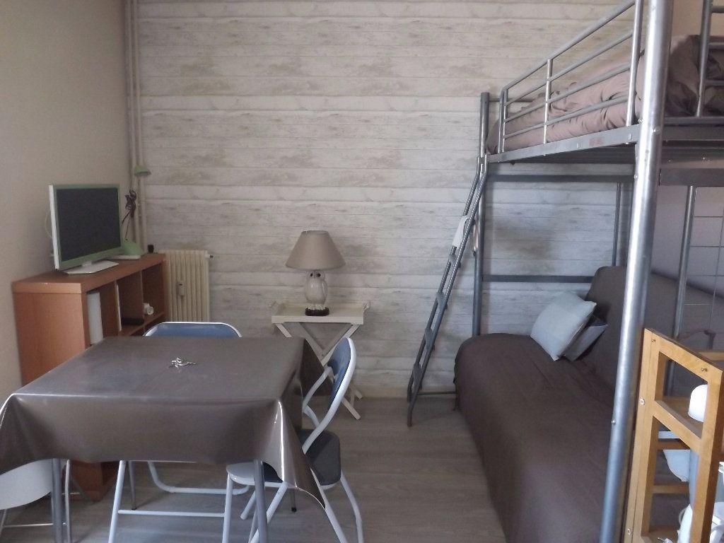 Appartement à louer 1 15m2 à Berck vignette-1