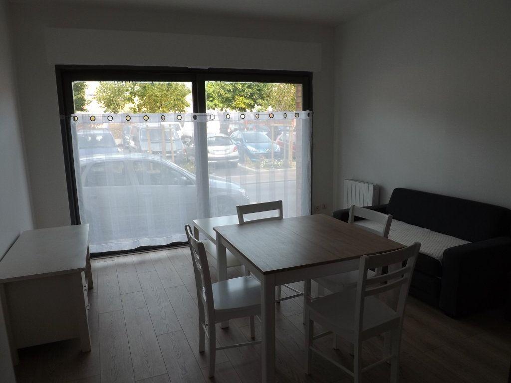 Appartement à louer 2 33.77m2 à Berck vignette-3