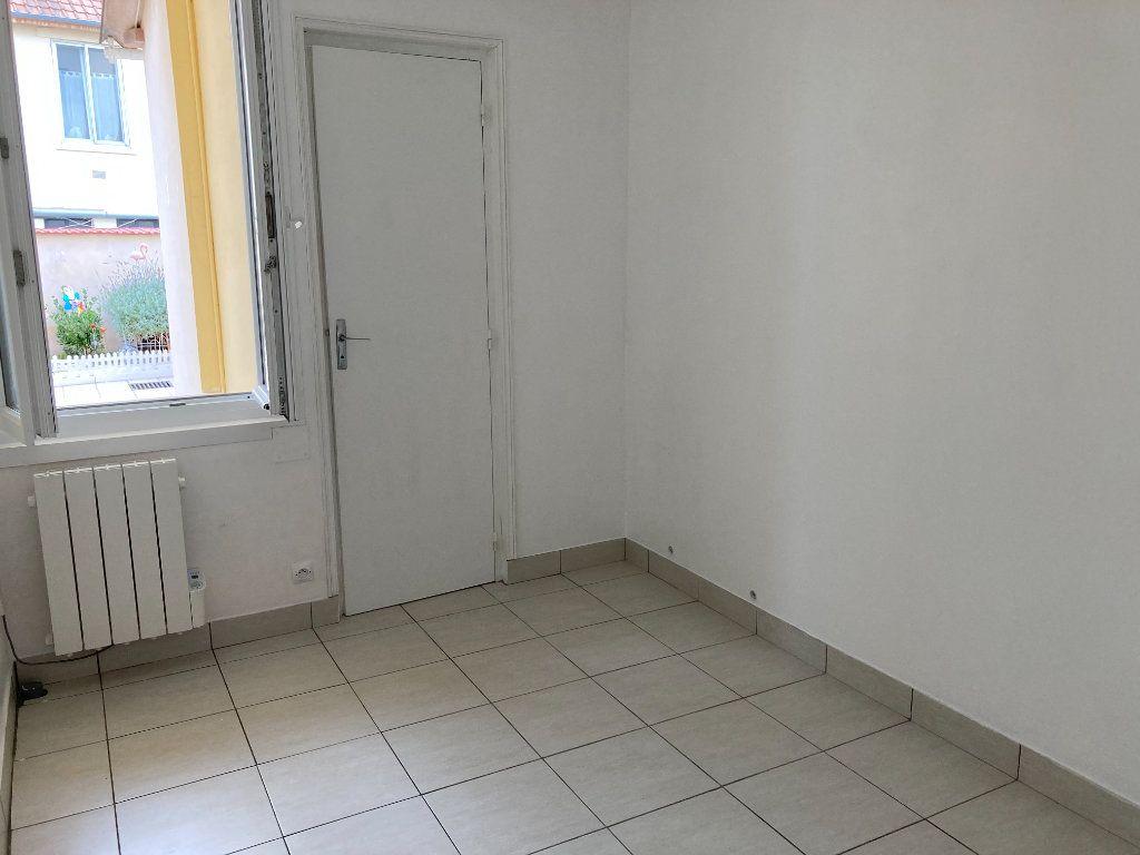 Appartement à louer 3 38m2 à Berck vignette-3