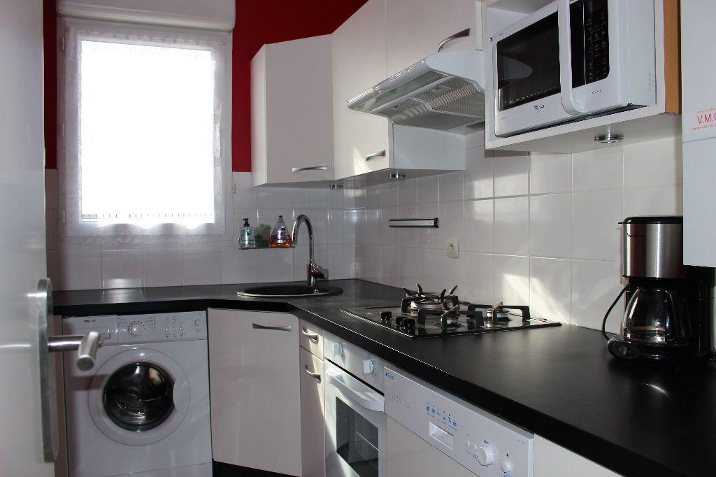 Appartement à louer 2 51.31m2 à Bussy-Saint-Georges vignette-2