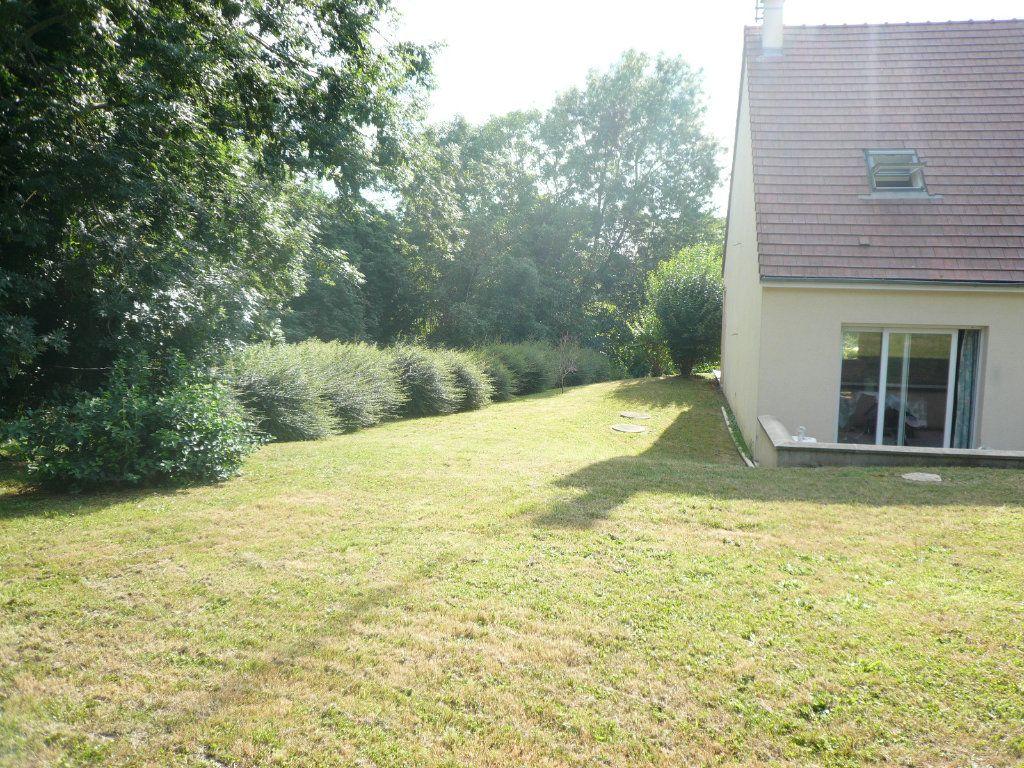 Maison à louer 5 130.26m2 à Bussy-Saint-Georges vignette-6
