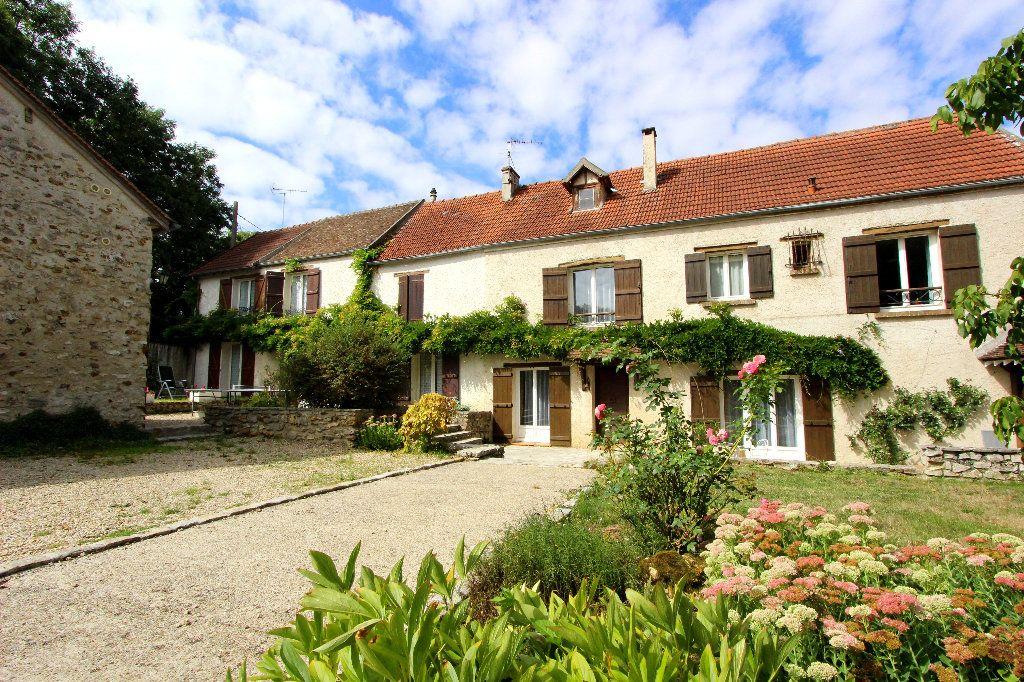 Maison à vendre 12 344m2 à Saint-Germain-sur-Morin vignette-1