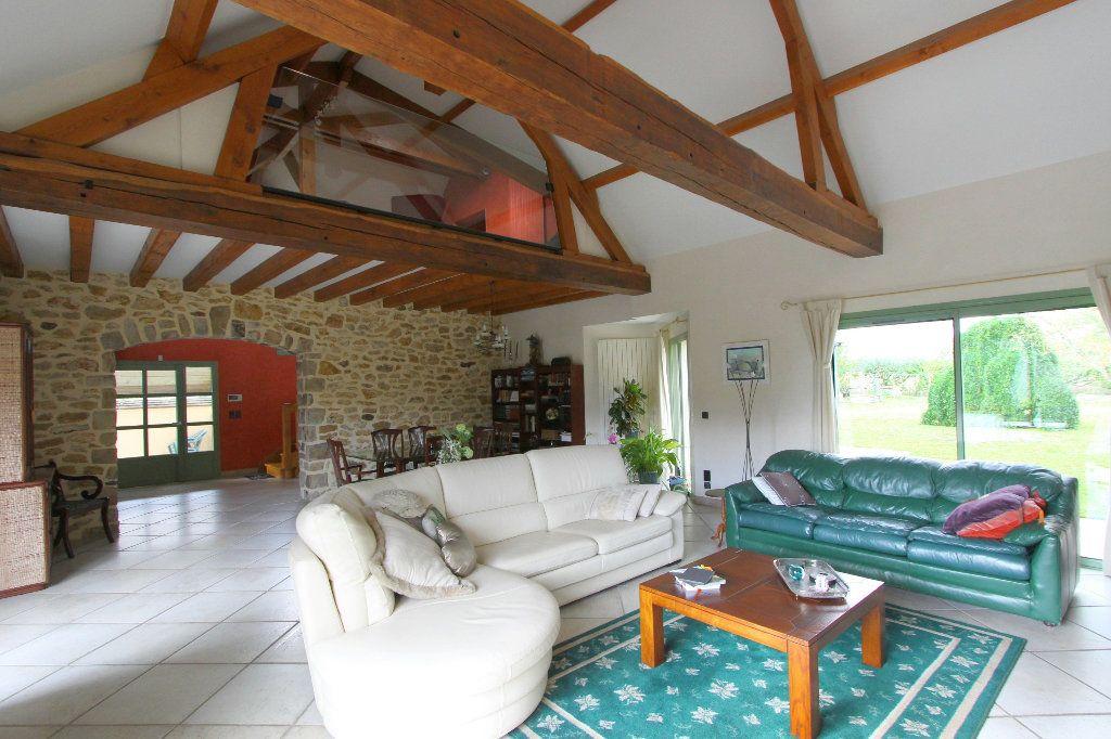 Maison à vendre 8 240m2 à Favières vignette-1