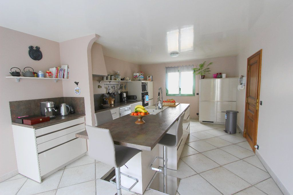 Maison à vendre 8 240m2 à Favières vignette-2