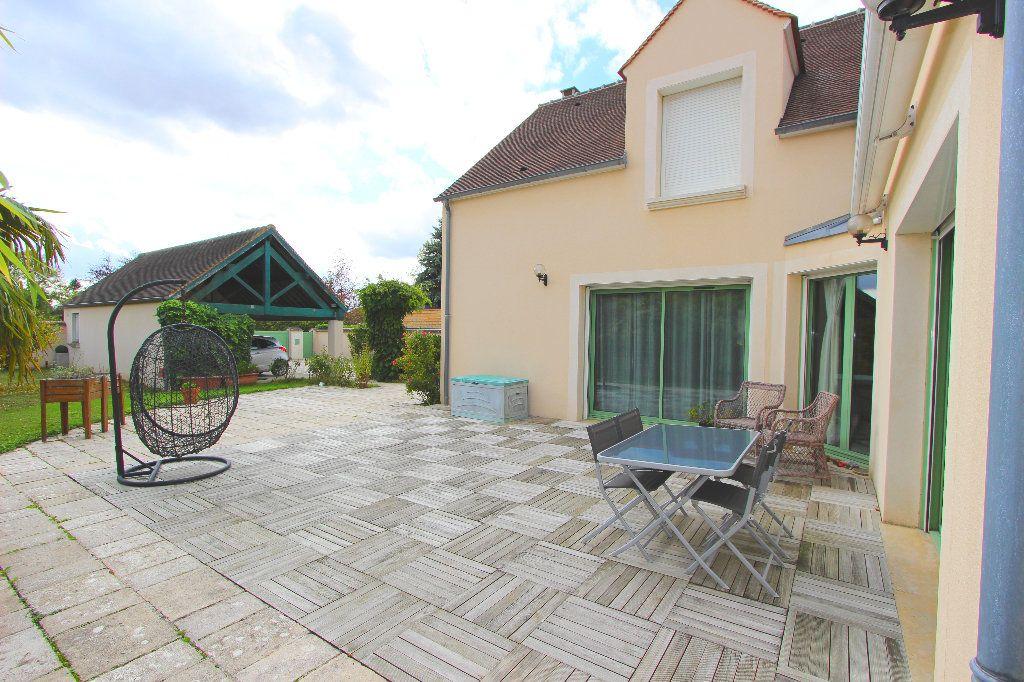 Maison à vendre 8 240m2 à Favières vignette-8