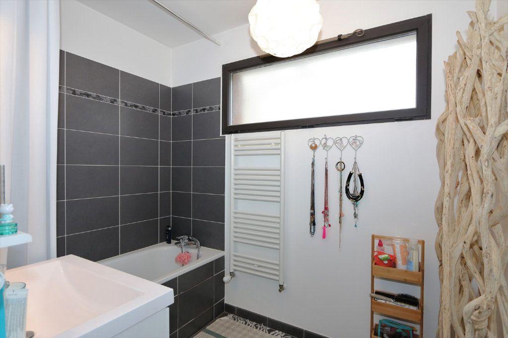 Appartement à vendre 4 86.4m2 à Ferrières-en-Brie vignette-6