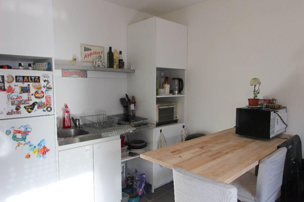 Appartement à vendre 1 28.09m2 à Ferrières-en-Brie vignette-2