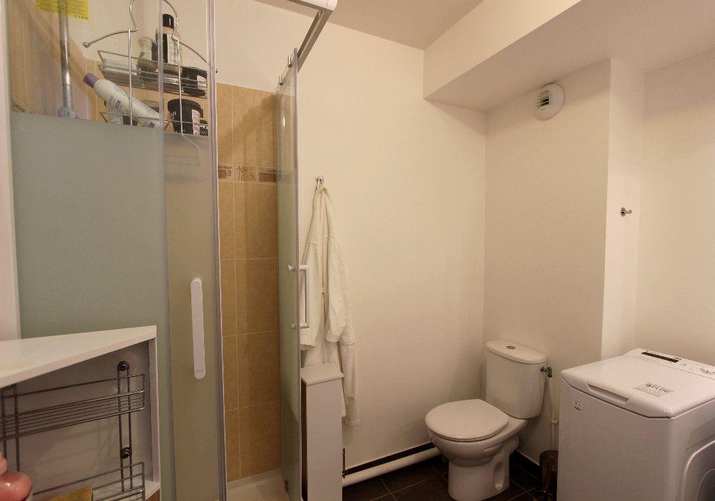 Appartement à vendre 1 28.09m2 à Ferrières-en-Brie vignette-3