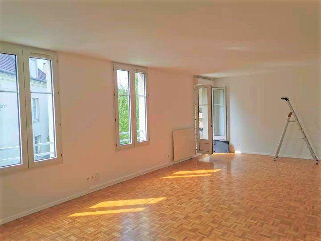 Appartement à louer 4 85.26m2 à Bussy-Saint-Georges vignette-1