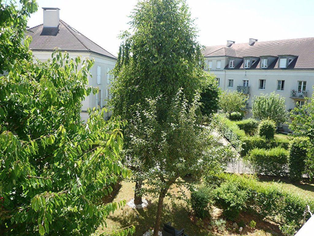 Appartement à louer 4 85.26m2 à Bussy-Saint-Georges vignette-2