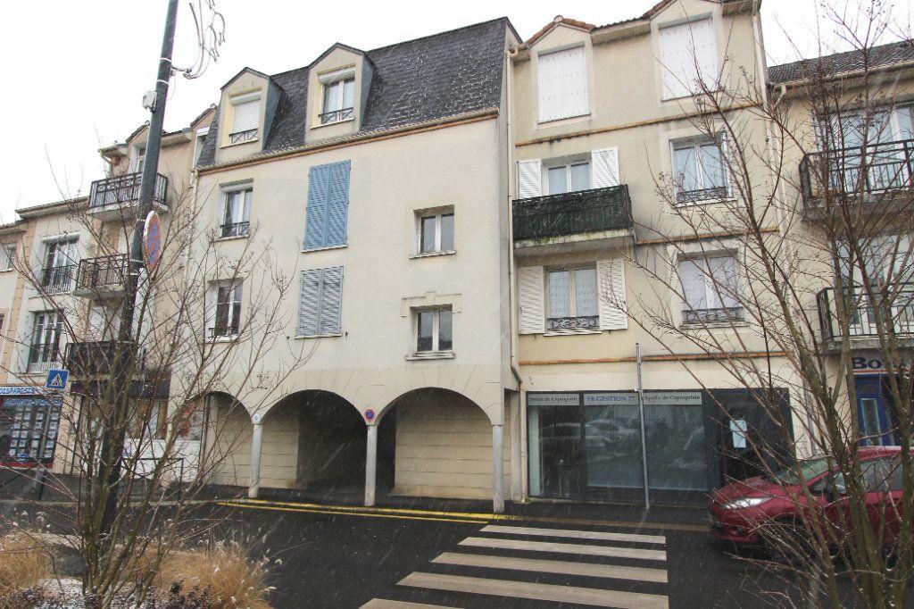 Appartement à vendre 4 71.17m2 à Villeparisis vignette-2