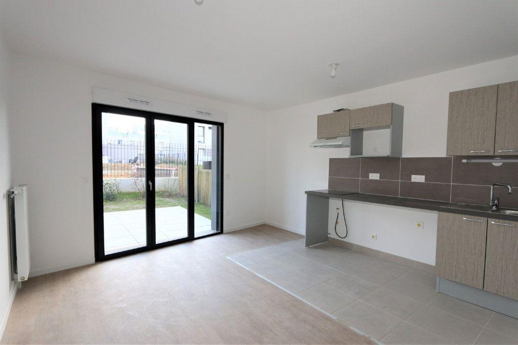 Appartement à vendre 3 63.5m2 à Bussy-Saint-Georges vignette-2