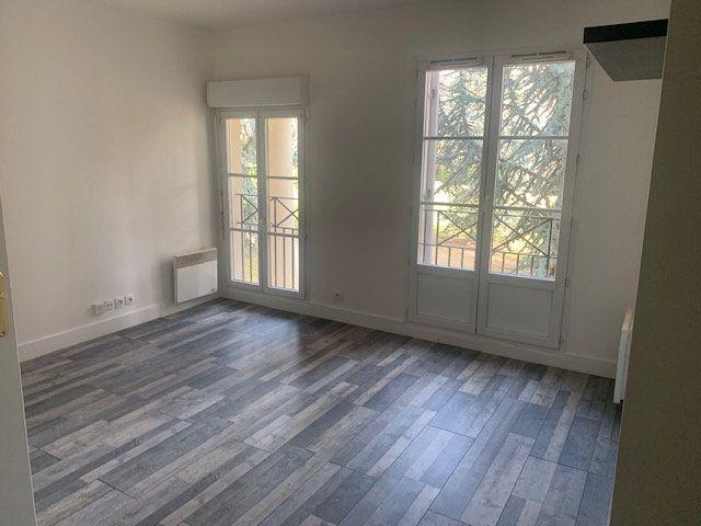 Appartement à louer 1 22.98m2 à Magny-le-Hongre vignette-2