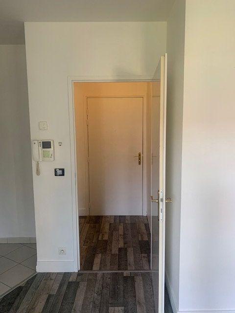 Appartement à louer 1 22.98m2 à Magny-le-Hongre vignette-9