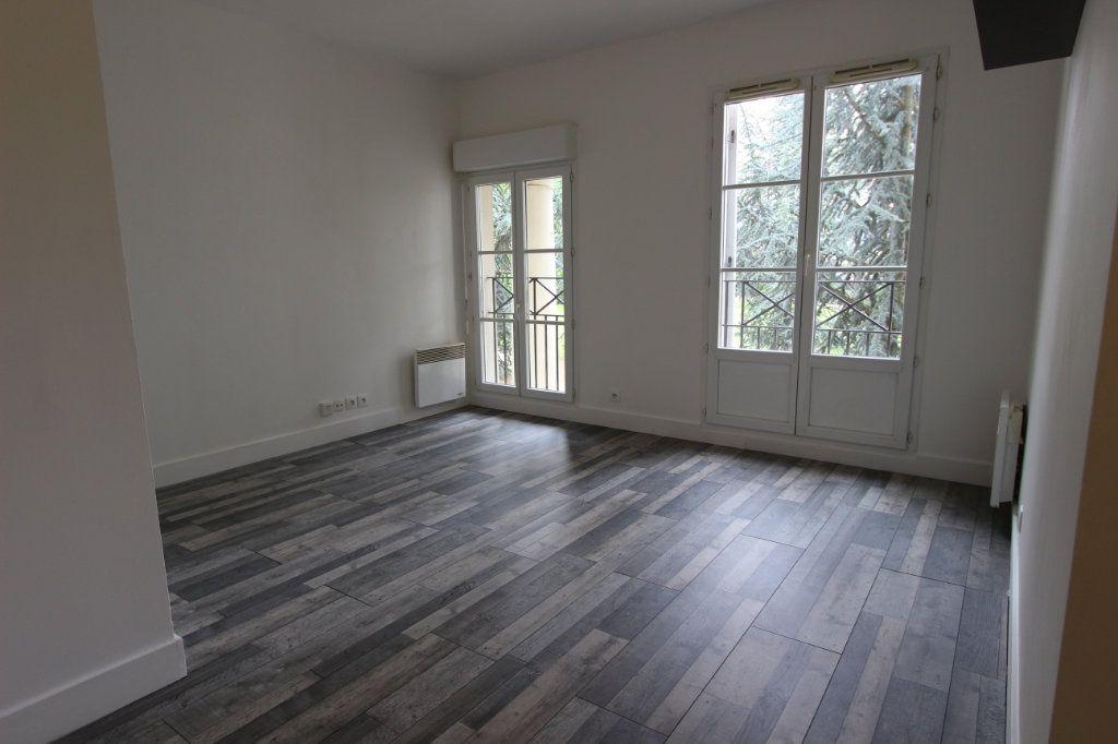 Appartement à louer 1 22.98m2 à Magny-le-Hongre vignette-10