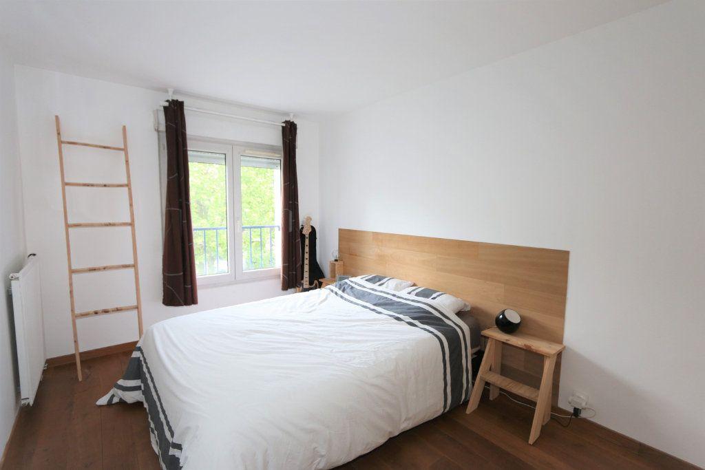 Appartement à vendre 3 69.3m2 à Bussy-Saint-Georges vignette-4
