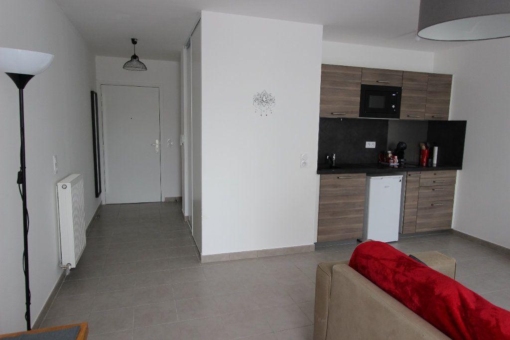 Appartement à louer 1 31.5m2 à Bussy-Saint-Georges vignette-5