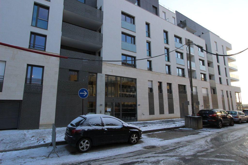 Appartement à louer 1 31.5m2 à Bussy-Saint-Georges vignette-7