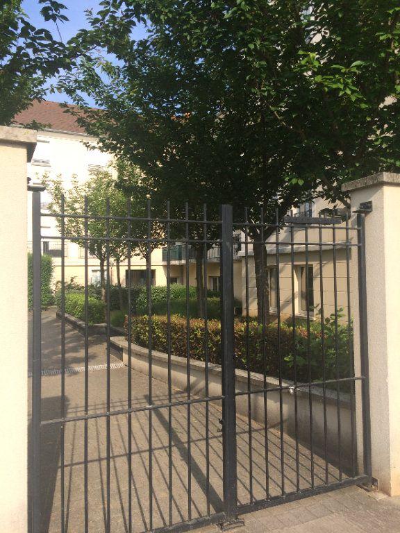 Appartement à louer 4 80.96m2 à Bussy-Saint-Georges vignette-2