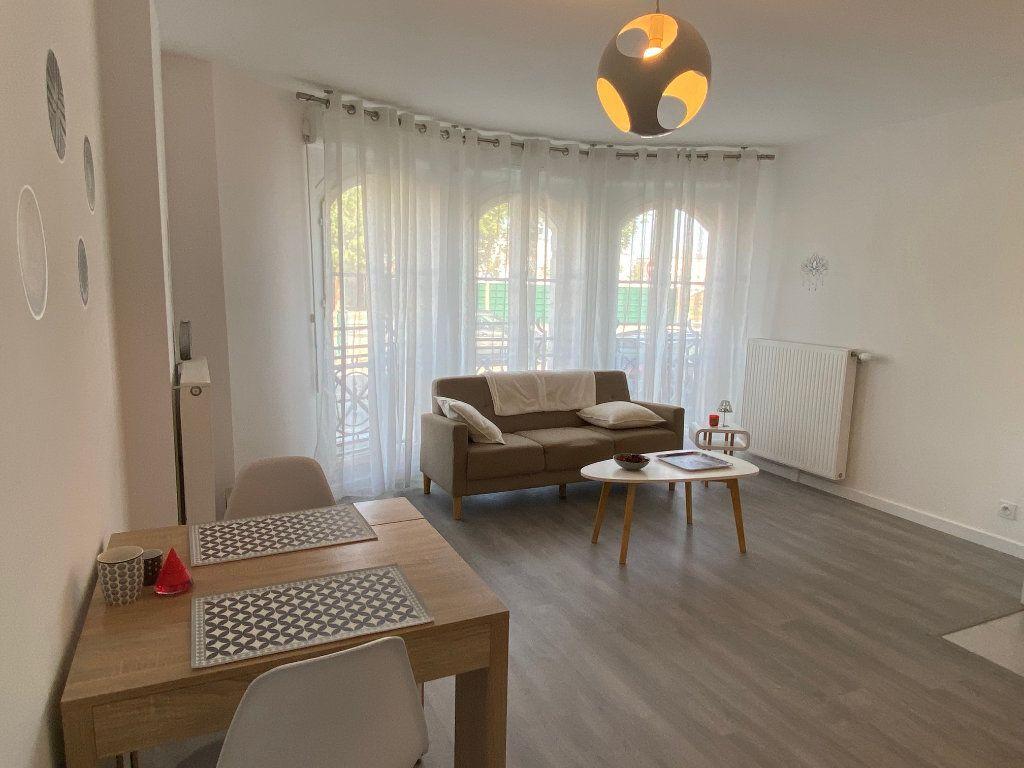 Appartement à louer 2 47.16m2 à Serris vignette-1