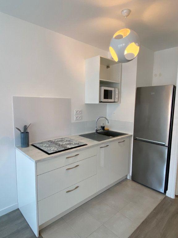 Appartement à louer 2 47.16m2 à Serris vignette-3