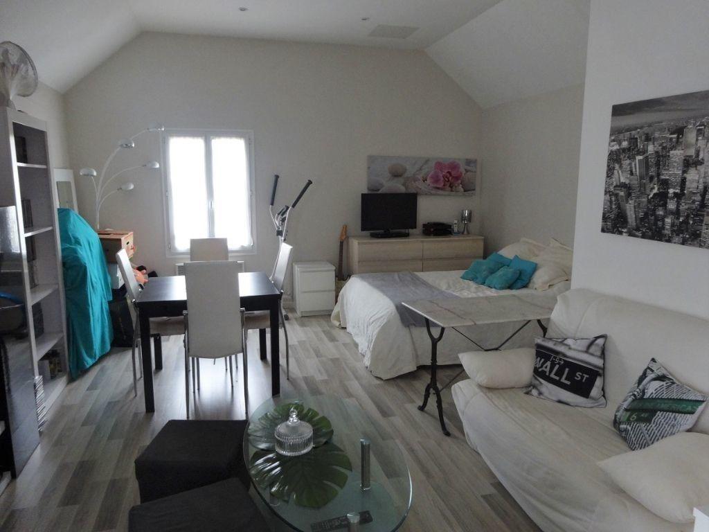Appartement à louer 1 34m2 à Ennery vignette-1