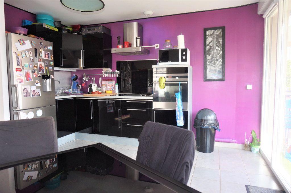 Appartement à vendre 3 61m2 à Pontoise vignette-2