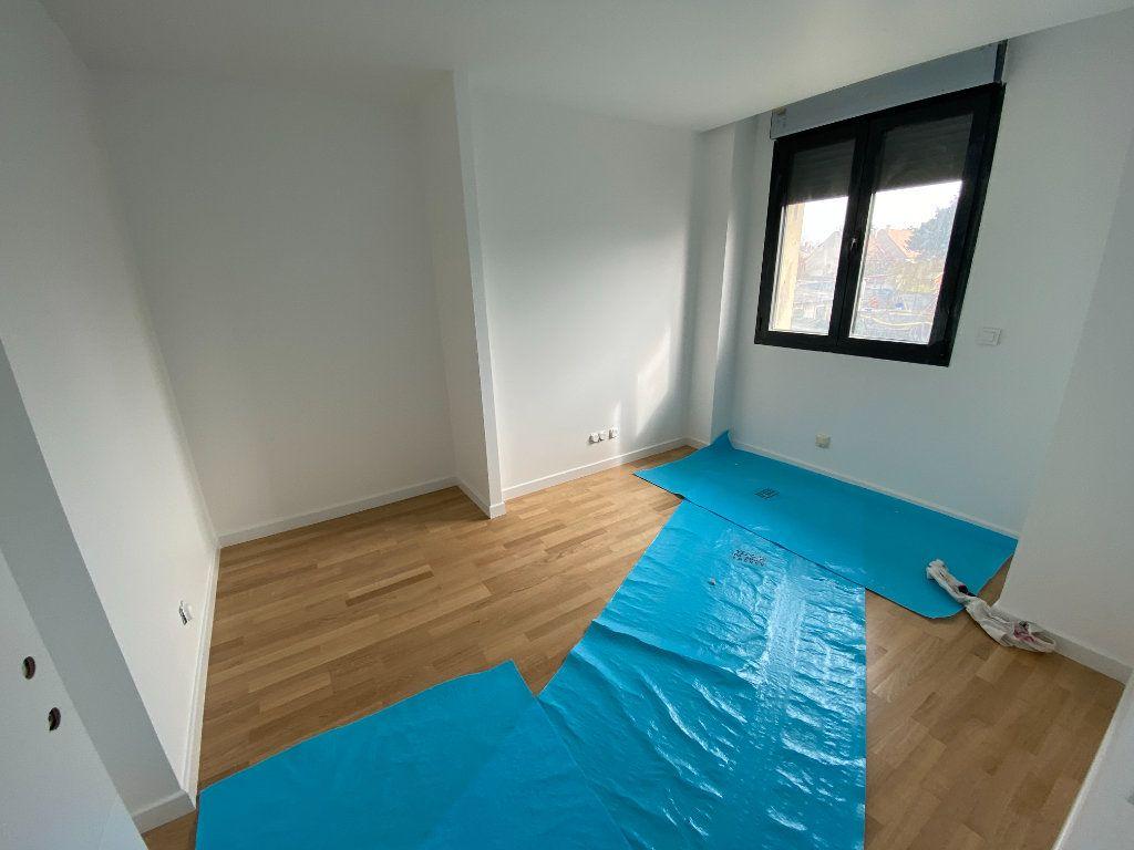 Appartement à vendre 4 80.4m2 à Osny vignette-2