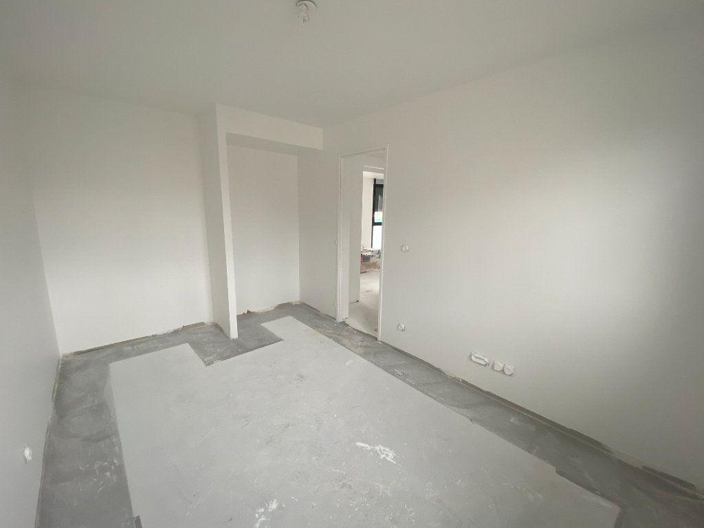 Appartement à vendre 4 80.4m2 à Osny vignette-5