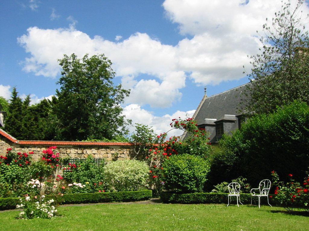 Maison à vendre 9 230m2 à Pontoise vignette-2
