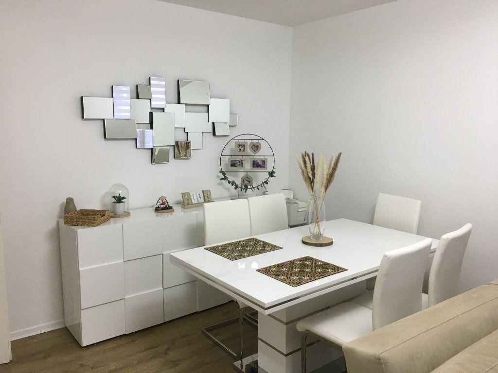 Appartement à vendre 3 61m2 à Saint-Ouen-l'Aumône vignette-2