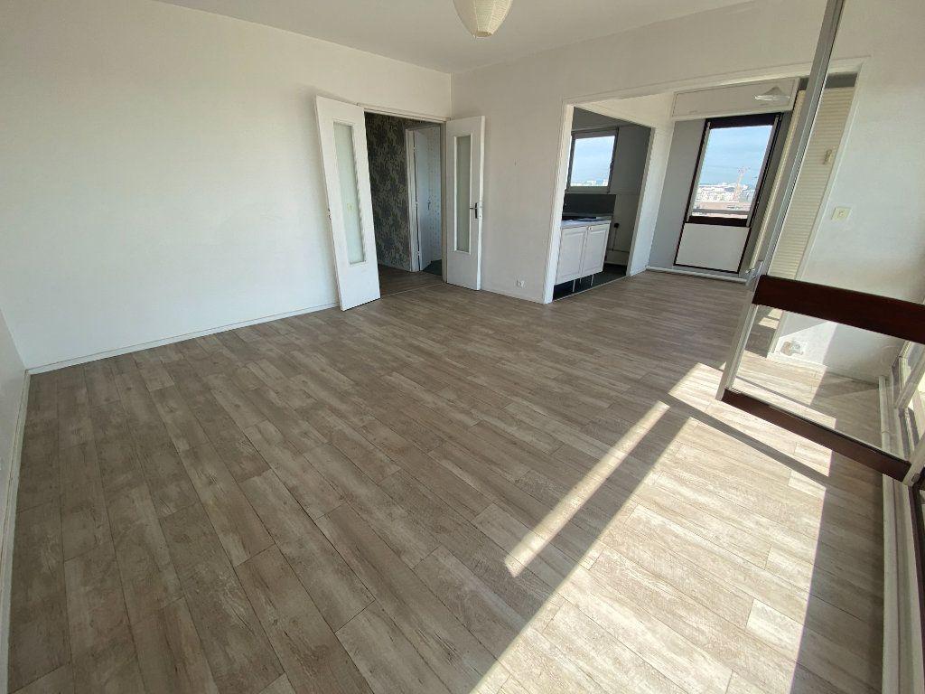 Appartement à vendre 4 89.32m2 à Pontoise vignette-2