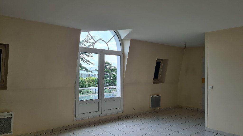 Appartement à louer 3 66.03m2 à Pontoise vignette-1