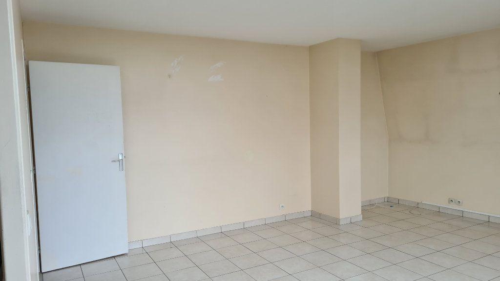 Appartement à louer 3 66.03m2 à Pontoise vignette-2