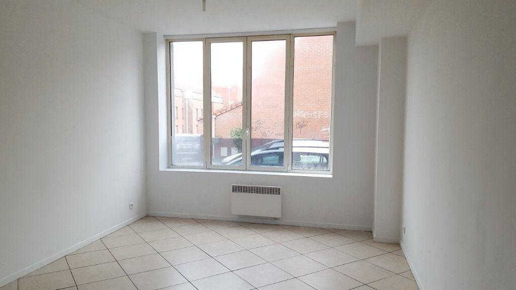Appartement à louer 2 38m2 à Armentières vignette-1