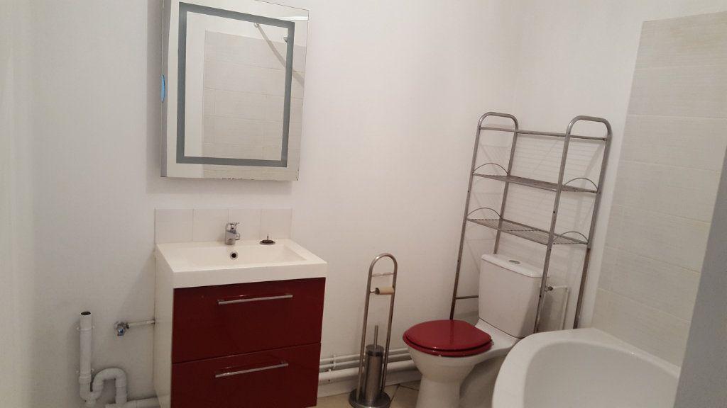 Appartement à louer 2 38m2 à Armentières vignette-4