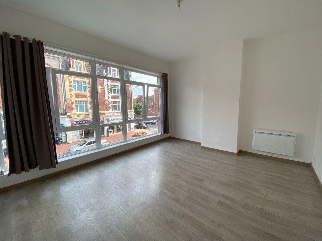 Appartement à louer 3 60m2 à Armentières vignette-1