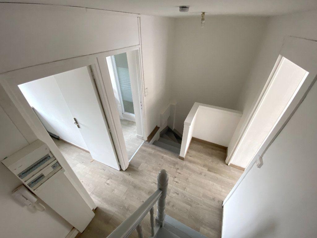 Appartement à louer 3 60m2 à Armentières vignette-2