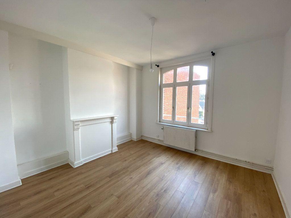 Appartement à louer 3 86m2 à Armentières vignette-3