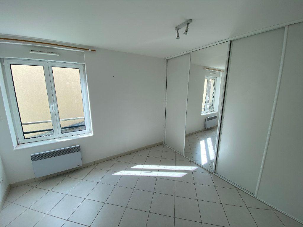 Appartement à louer 3 62m2 à Armentières vignette-4