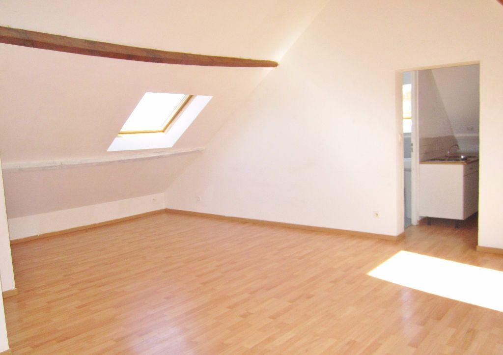 Appartement à louer 1 32m2 à Armentières vignette-3